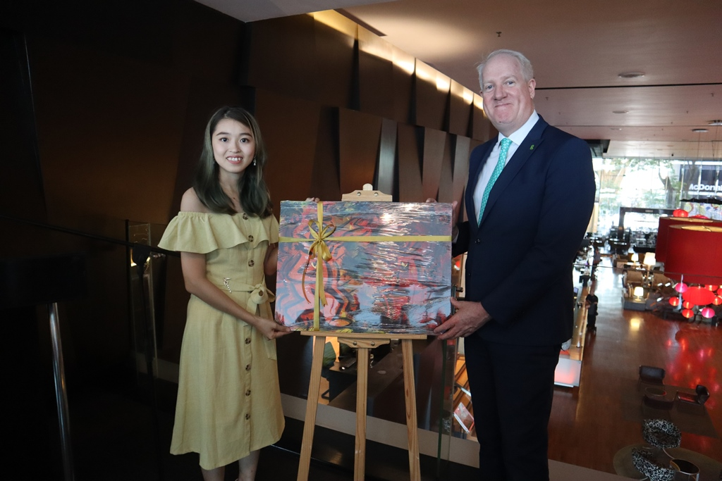 """The """"Flux"""" art exhibition at G Hotel"""