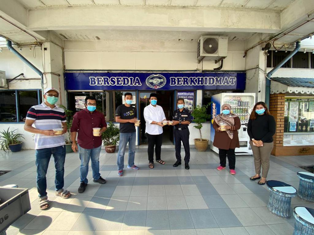 Distribution of bubur lambuk at IPD Perda