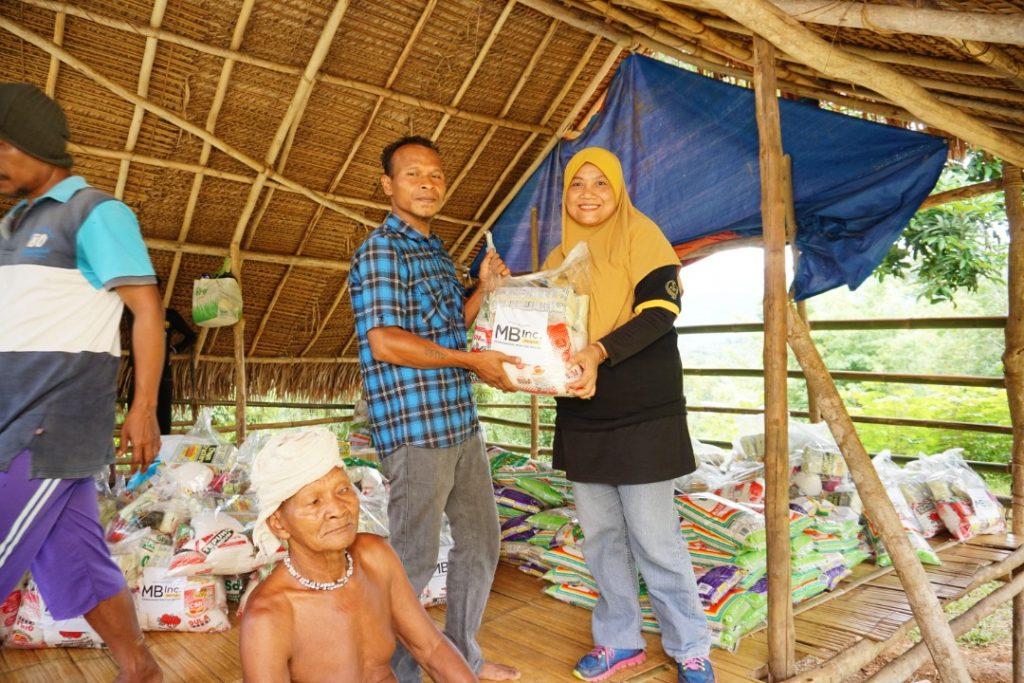 Assistance to Orang Asli folk.